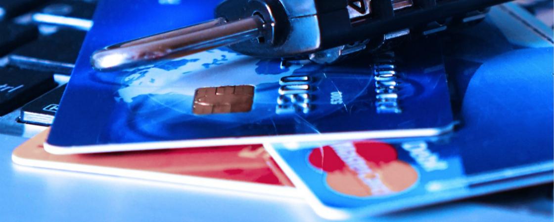 布局无卡群体,51信用卡首先做得是砍掉校园贷