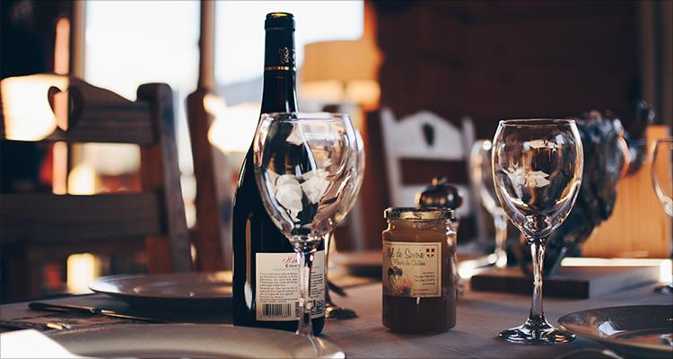 深耕进口葡萄酒电商七年,品尚汇能否撬动传统经销体系? | 爱分析调研