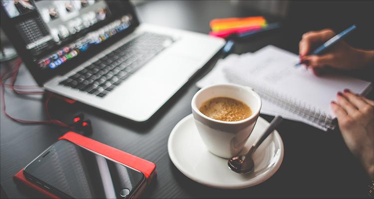 从社交数据挖掘销售线索,笨鸟社交构建外贸智能营销平台 | 爱分析访谈